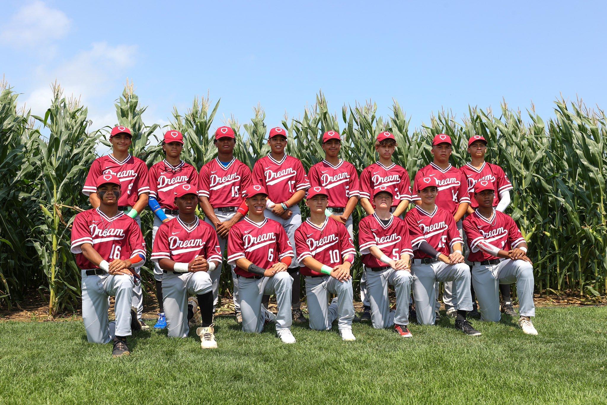 DREAM U14 Team picture. Credit: MLB Photos
